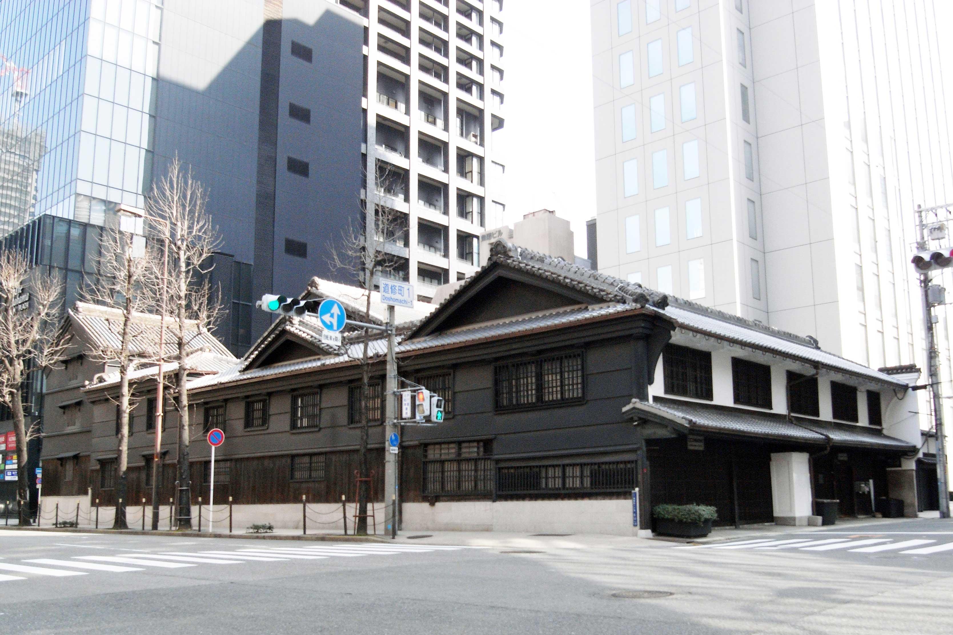 旧小西家住宅 主屋・衣装蔵・二階蔵 | 大阪文化財ナビ