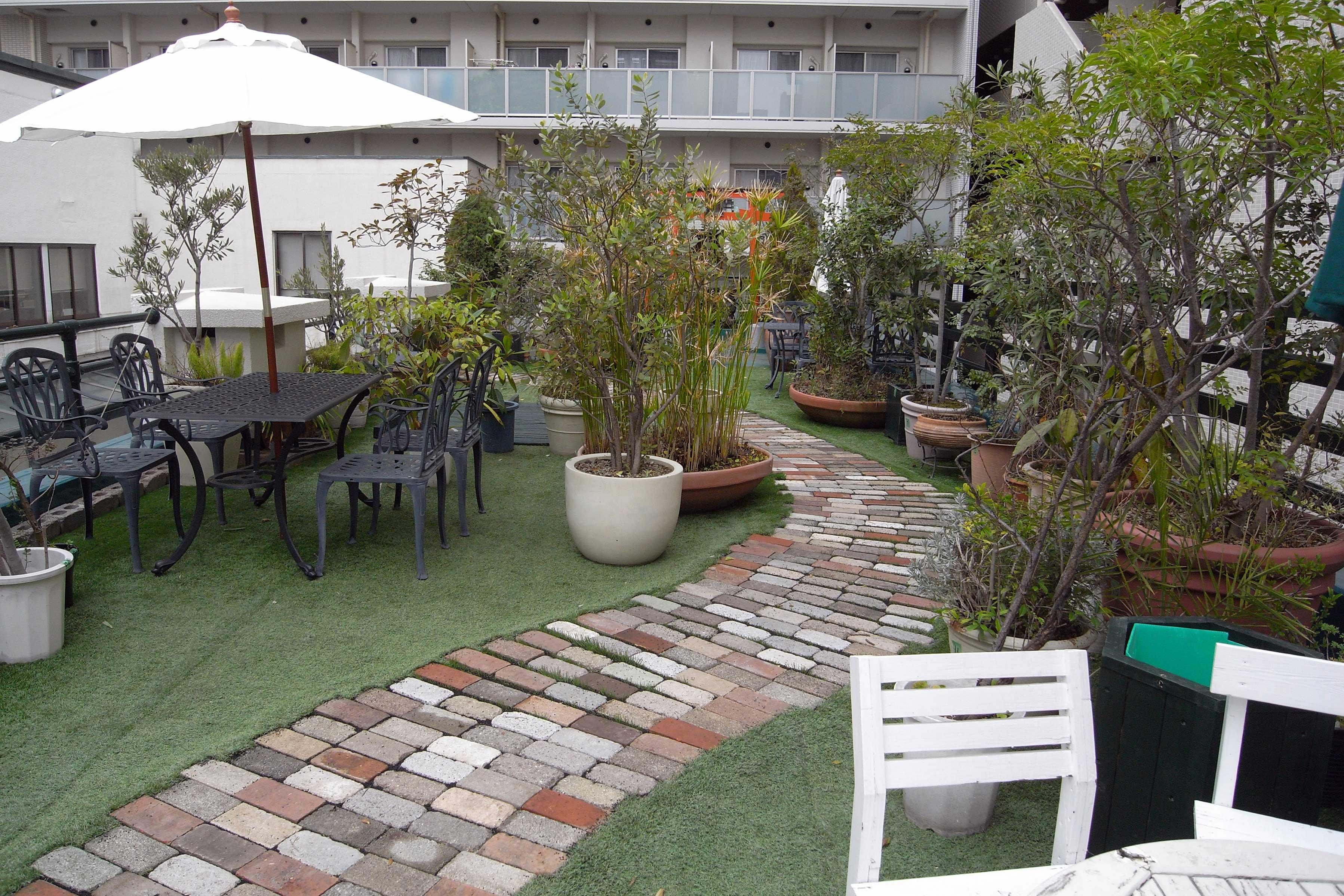 <p>屋上庭園</p>仕事の息抜きが出来る、手入れされた屋上庭園