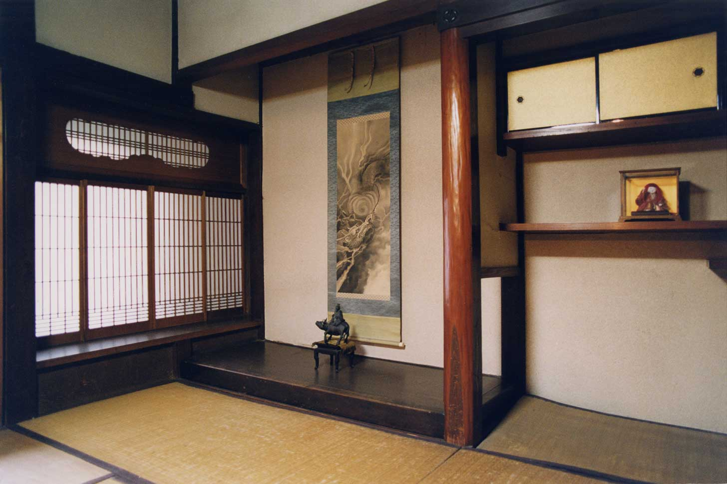 <p>畑田家住宅主屋座敷</p>江戸時代の特徴を残す床の間と入り込み書院