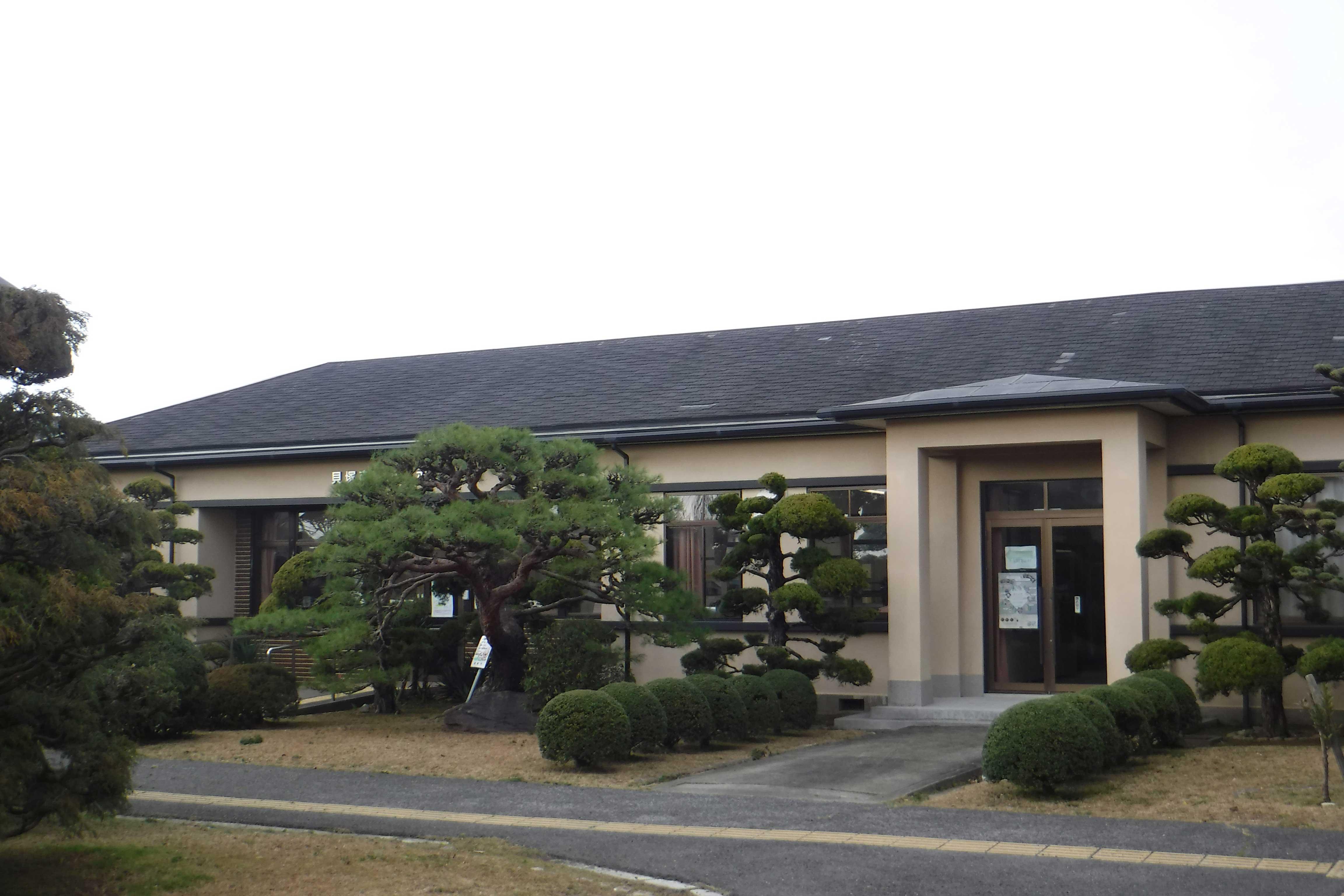 <p>手前増築部</p>突出部から右は昭和天皇の行幸を予定して増築された。