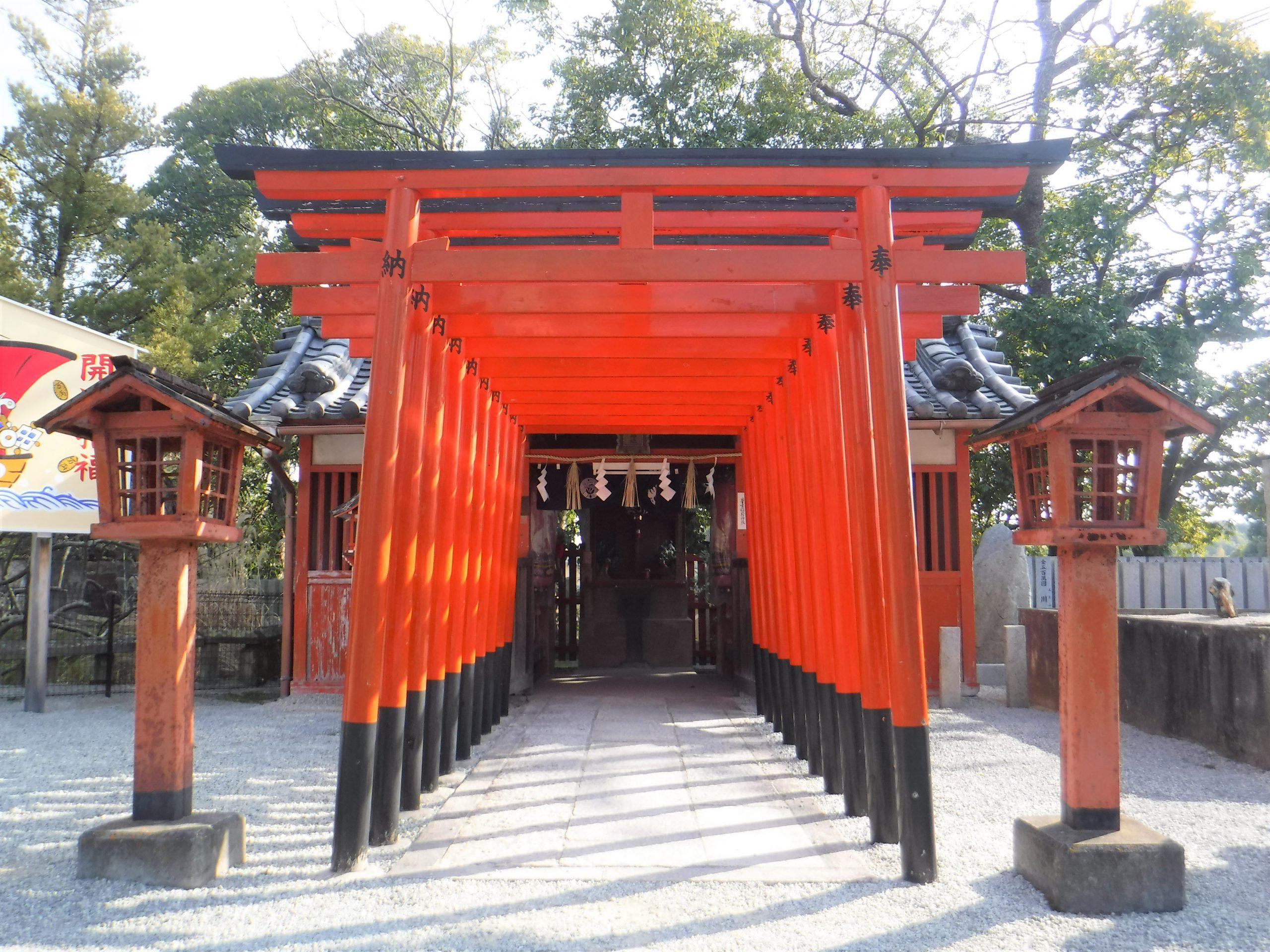 <p>末社稲荷神社</p>