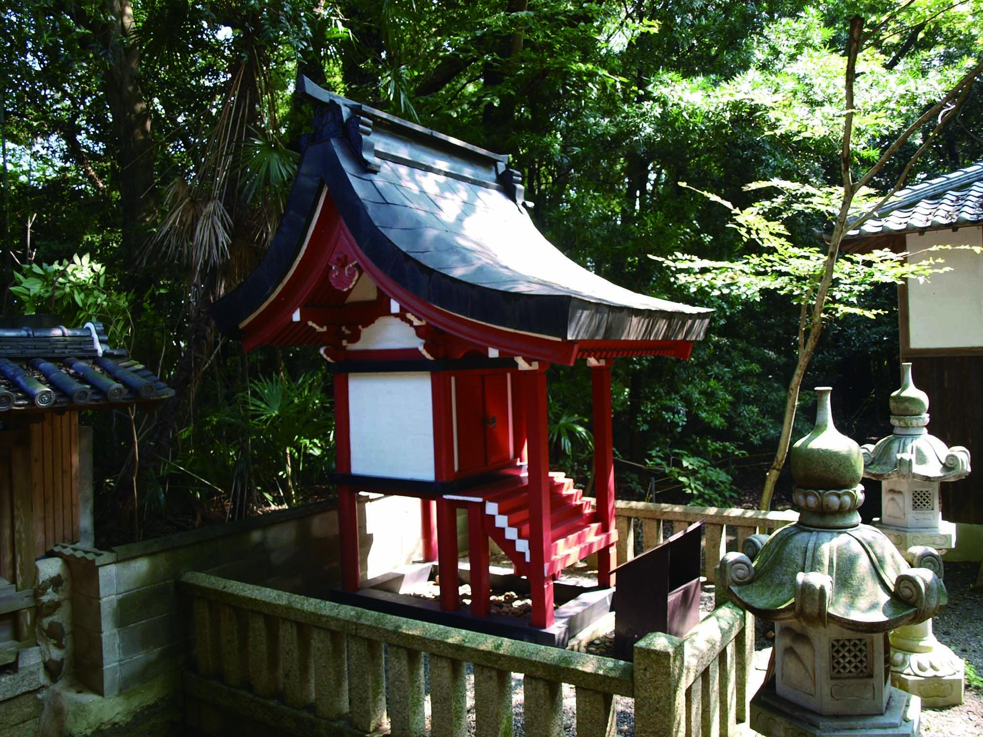 <p>一間社流造の若宮神社本殿</p>17世紀中頃に建てられた五間社流造の本社本殿と、この摂社若宮神社本殿はともに大阪府指定文化財である。